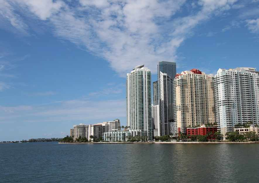 miami-seawall-brickell