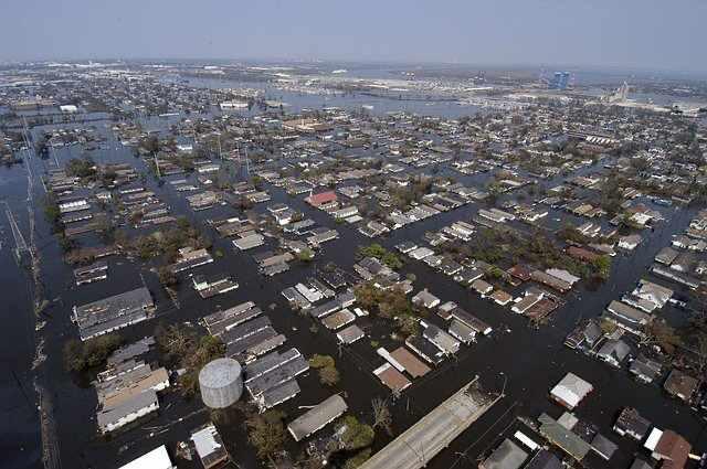 hurricane-katrina-damage-flooding