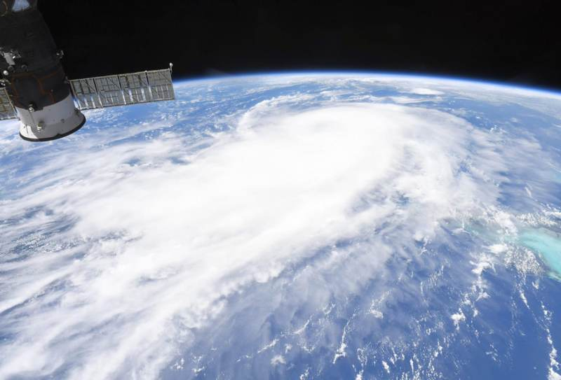 hurricane-laura-satellite-image