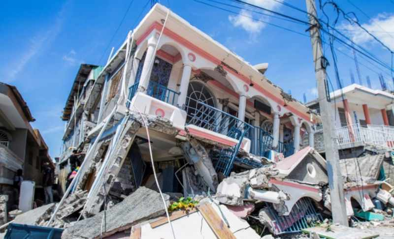Haiti earthquake image from Ralph Tedy Erol / AP