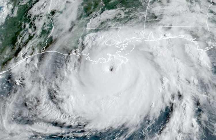 hurricane-ida-satellite-landfall